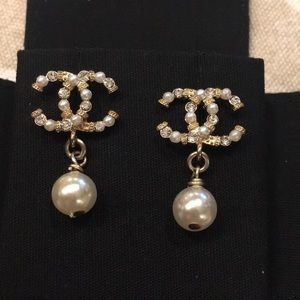 Chanel Gold pearl crystal CC earrings